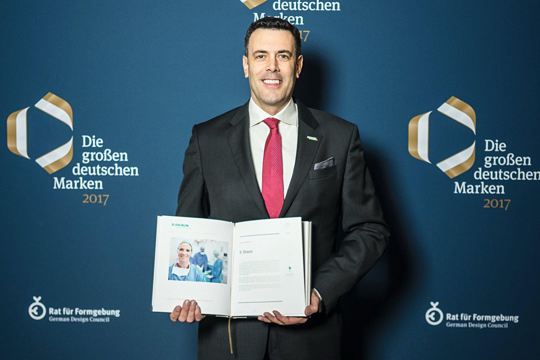 Компания Б. Браун была удостоена награды German Brand Award 2017 за лучший бренд-менеджмент в Германии.